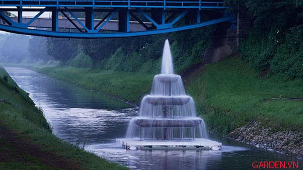 Thiết kế đài phun nước với vòi phun đa tầng
