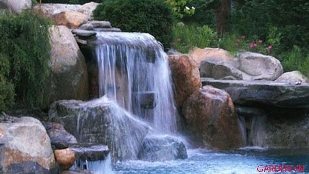 Thác nước đá tràn