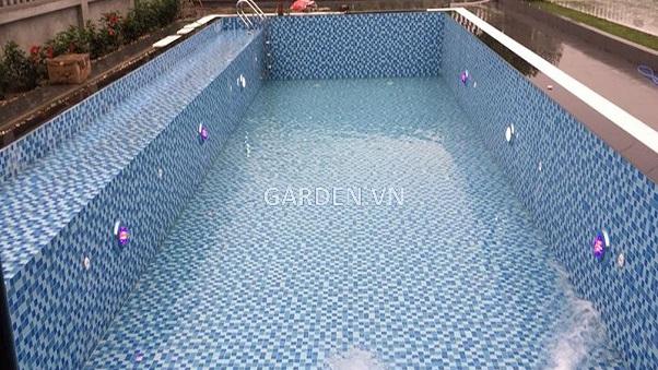Đầu trả nước trong bể bơi